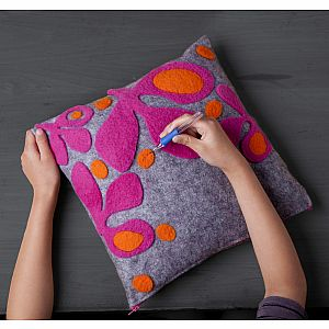 Craft-tastic Needle Felt Pillow